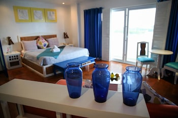 Flora East Resort and Spa Boracay Guestroom