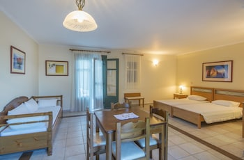 Kyveli Apartments - Guestroom  - #0