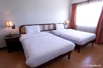 EGI Resort and Hotel Mactan Guestroom