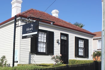 Alice's Cottages