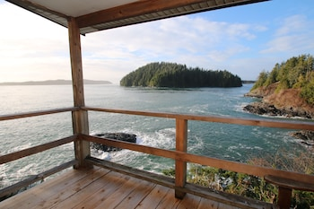Duffin Cove Oceanfront Lodging (387022) photo