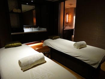 Maximz Tower Hotel Pasay Massage