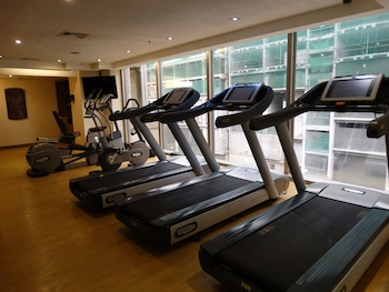 Maximz Tower Hotel Pasay Gym