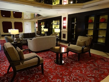 Maximz Tower Hotel Pasay Lobby Sitting Area