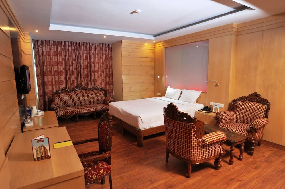 Hotel Emarald