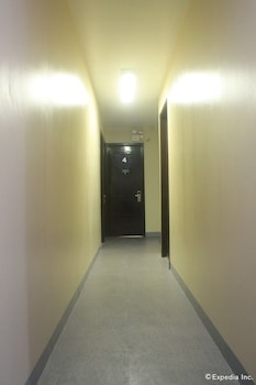 Domestic Guesthouse Pasay Hallway