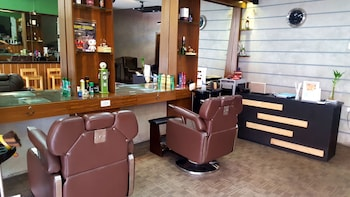 Domestic Guesthouse Pasay Hair Salon