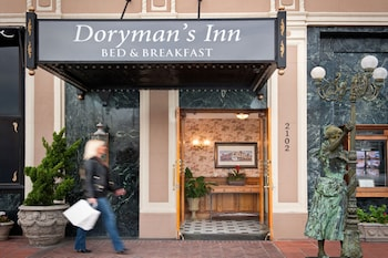 Dorymans Oceanfront Inn (393301) photo