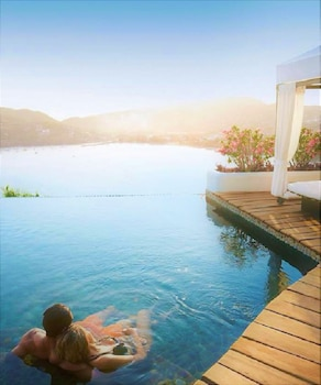 Tentaciones Hotel & Lounge Pool - Adults Only