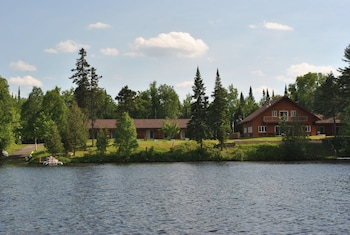 Photo for Motel Ours Bleu in Lac-Saguay, Quebec