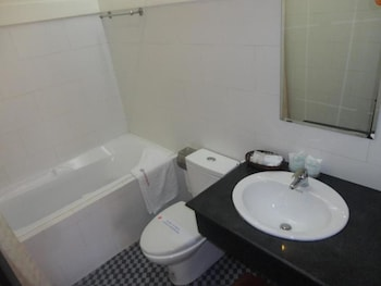 Cuong Long Hotel - Bathroom  - #0