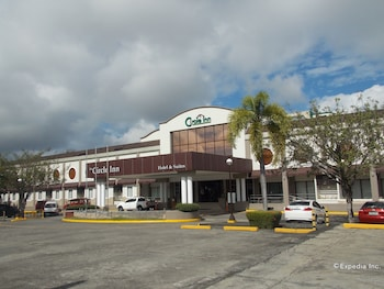Circle Inn-Hotel & Suites Bacolod Exterior