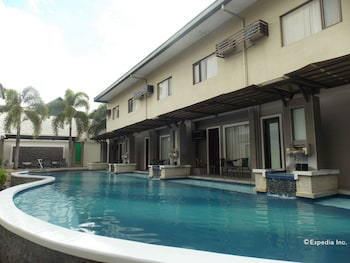 Circle Inn-Hotel & Suites Bacolod Outdoor Pool