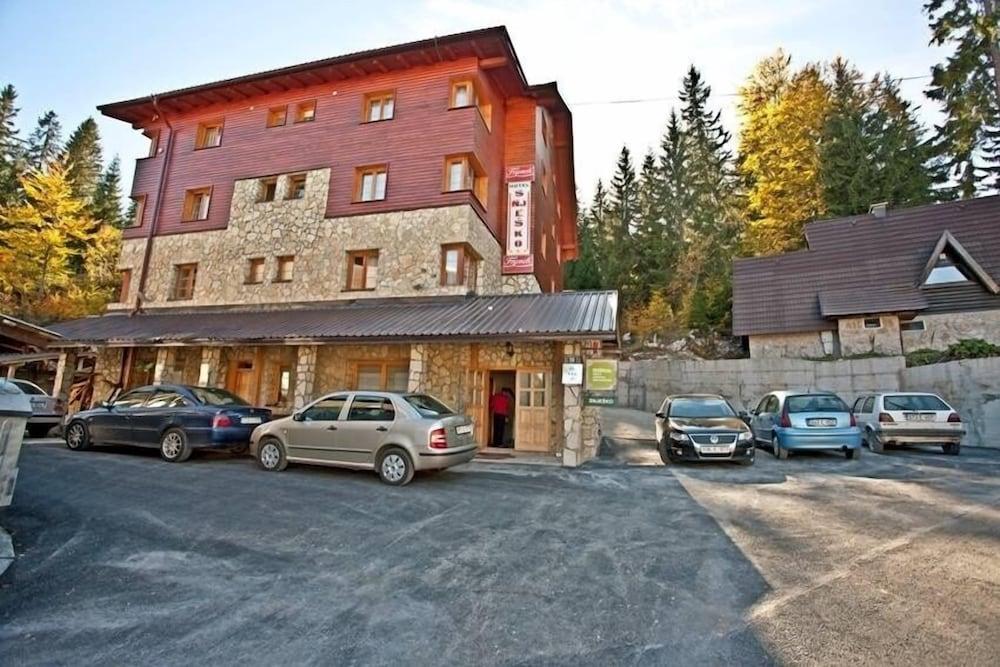 Hotel Snješko