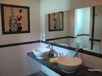 The Manor at Puerto Galera Bathroom Sink
