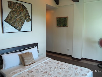 The Manor at Puerto Galera Guestroom