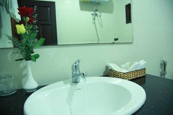 Van Hai Hotel - Bathroom  - #0