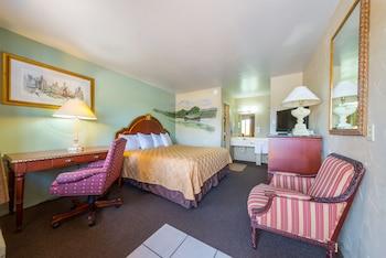 Americas Best Value Inn - The Legends Inn in Junction, Texas