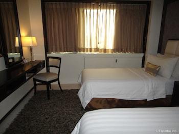 Quest Hotel Cebu Guestroom