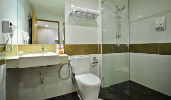 The ASHLEE Plaza Patong Hotel & Spa - Bathroom  - #0