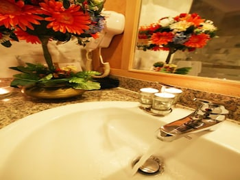 Poipet Resort Casino - Bathroom Sink  - #0