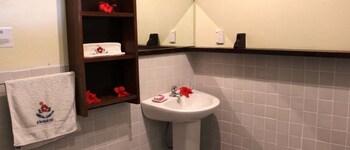 Lusia's Lagoon Chalets - Bathroom  - #0