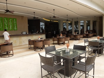 Asya Premier Suites Boracay Lobby Sitting Area