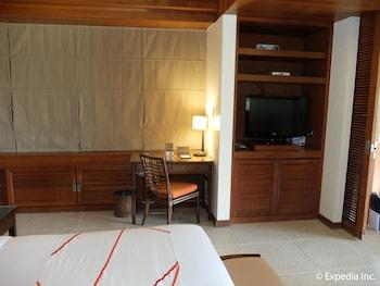 Asya Premier Suites Boracay Guestroom