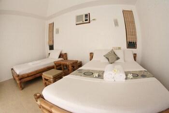 Elysia Beach Resort Donsol Guestroom