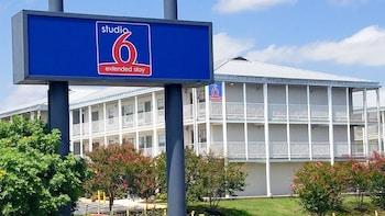 聖安東尼奧 6 號開放式公寓飯店 - 拉克蘭 AFB