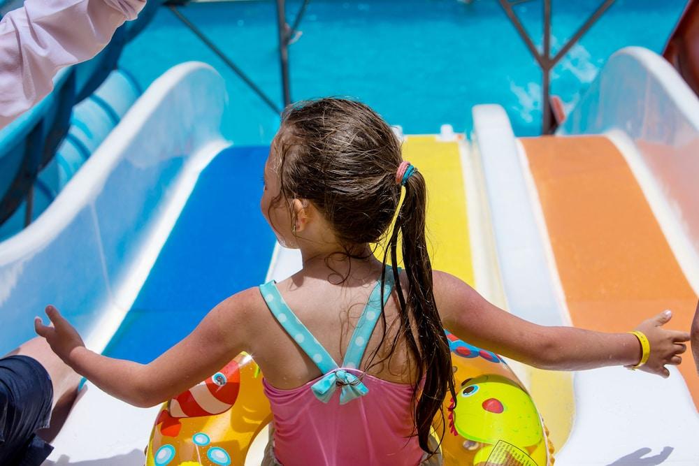 Mirage Bay Resort & Aqua Park Lilly Land