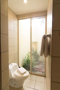 Club Punta Fuego Batangas Bathroom