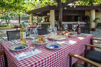 Club Punta Fuego Batangas Outdoor Dining