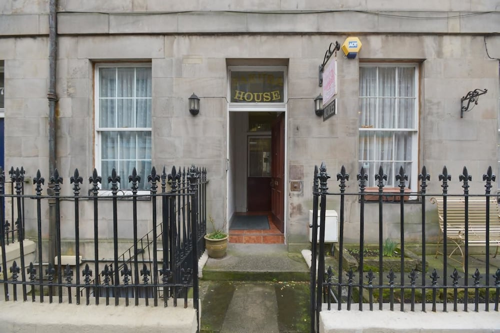Sakura Edinburgh Guest House