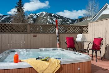 Tamarack Lodge - Outdoor Spa Tub  - #0