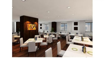 Royal Gate Hotel - Restaurant  - #0