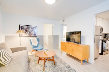 Contemporary Condo Minutes To Downtown Gulch (1801935616) photo