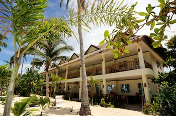 Ocean Vida Beach And Dive Resort Malapascua Property Grounds