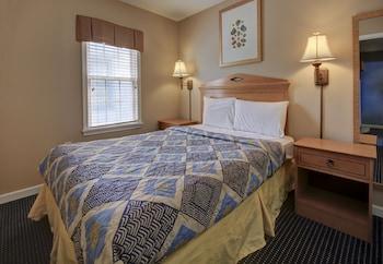 Ambassador Inn - Guestroom  - #0