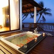 蘇梅島查汶海灘樂園溫泉度假飯店