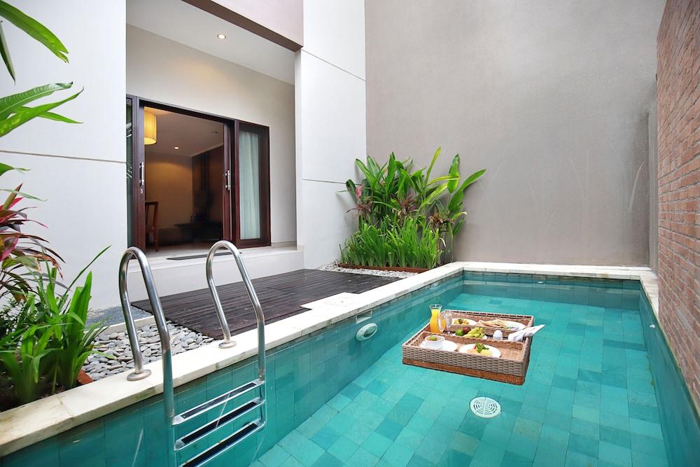 Uppala Villa Spa Seminyak Bali Price Address Reviews