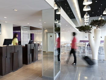 ibis Styles Nimes Gare Centre - Interior Entrance  - #0