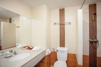 Eastiny Plaza Hotel - Bathroom  - #0
