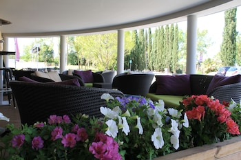 tarifs reservation hotels Residence Suite Home Aix-en-Provence Sud