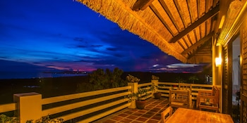 Marquis Sunrise Sunset Residential Cottages Bohol Terrace/Patio