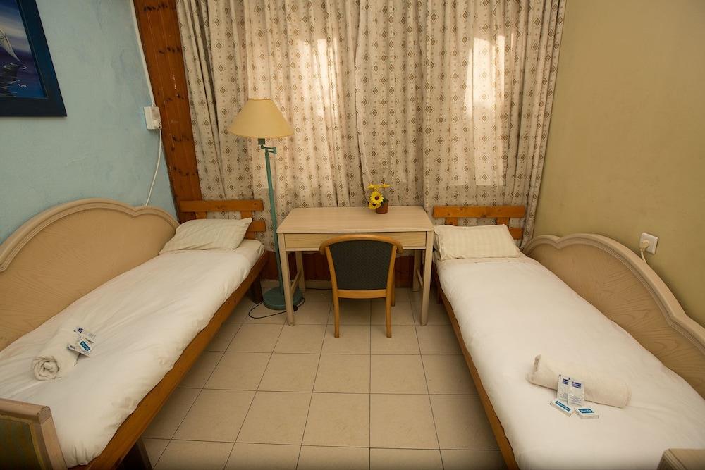 Momo's - Hostel