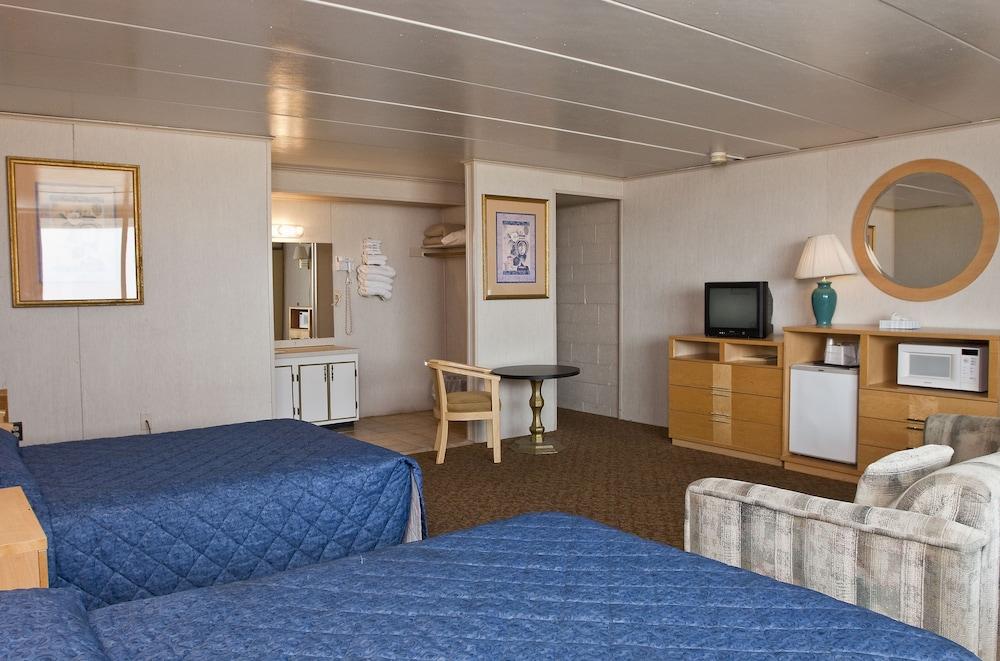 Rideau Oceanfront Motel