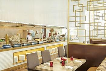 Fairmont Makati Restaurant