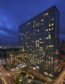 Fairmont Makati Hotel Front - Evening/Night