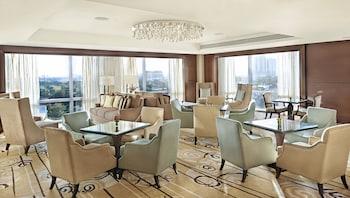 Fairmont Makati Executive Lounge